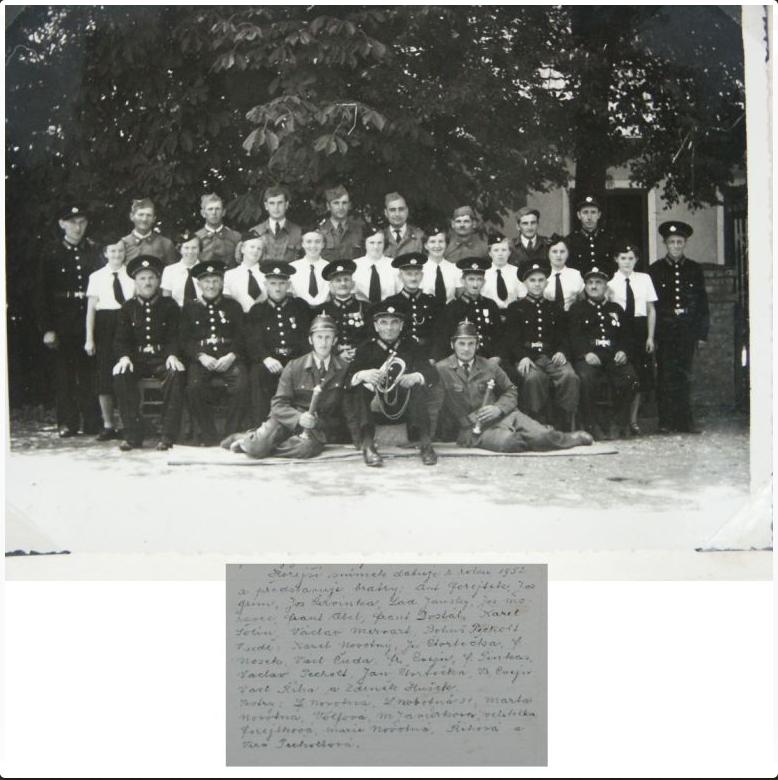 Historie SDH a JSDH - fotografie hasičů
